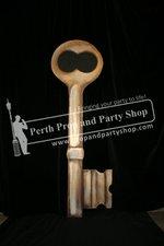 15-Giant Key