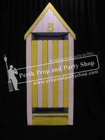 34-English Seaside Hut Yellow