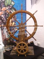 33-SHIPS WHEEL w/stand prop
